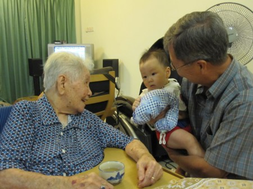 Lee with one of her great-grandsons, 2010.