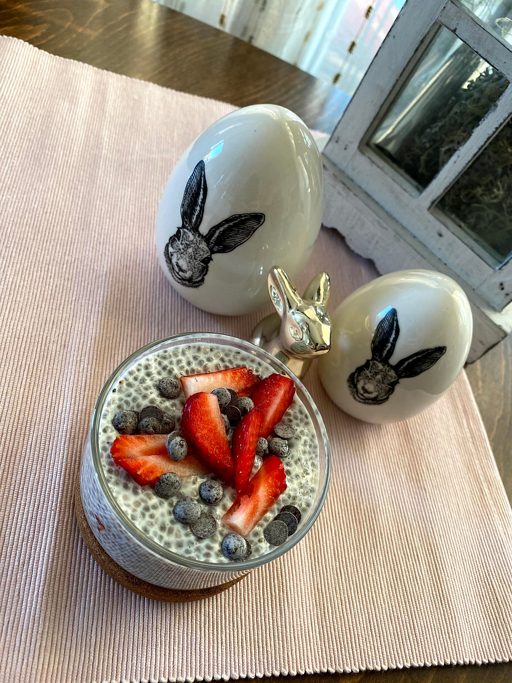 Chia seeds pudding with vanilla, honey and strawberries