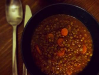 Бабината зимна супа от леща