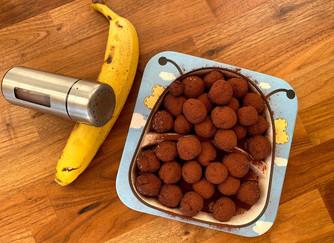 Супер бързи сурови бонбони с мед, банан, овесени ядки и какао