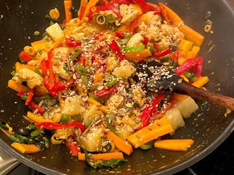 Пиле със зеленчуци с азиатски аромати