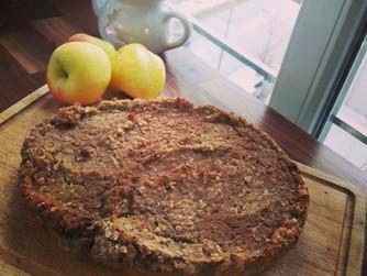 Ябълков щрудел с орехи и овесени ядки