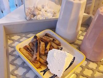 Предястие от бели аспержи с мед и сирене