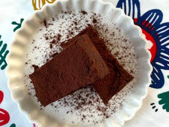 Много шоколадова торта без печене - веган и без захар