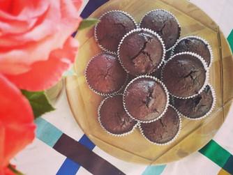Шоколадови мъфини с карамелено сърце