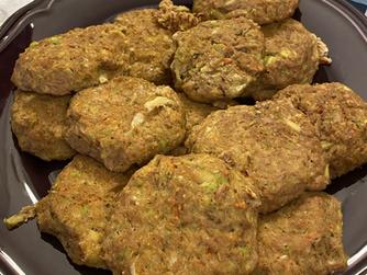 Здравословни зеленчукови кюфтенца с риба тон