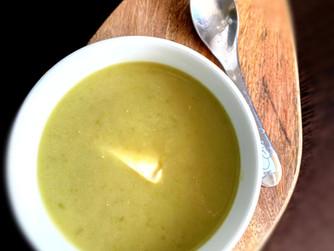 Ирландска крем супа с праз, картофи и грах