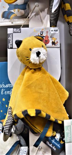 Les moustaches doudou plat chat moutarde