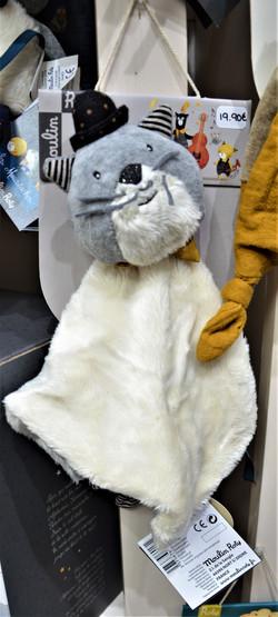 Les moustaches doudou plat chat gris