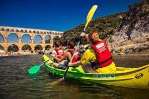 Canoe Pont du Gard.jpg