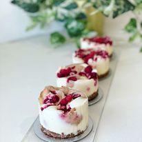 Dark & White Chocolate with Raspberries