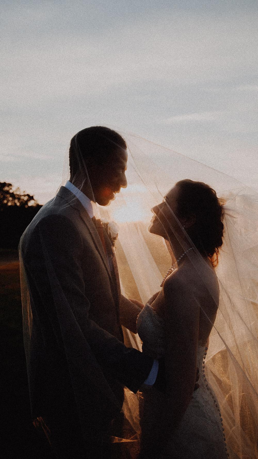 intimate-wedding-couple