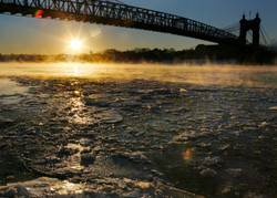 icy river wednesday01.JPG