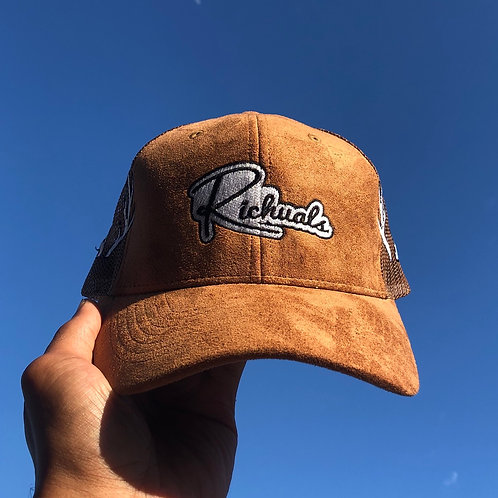 Suede Trucker Buck Hat (Longevity)