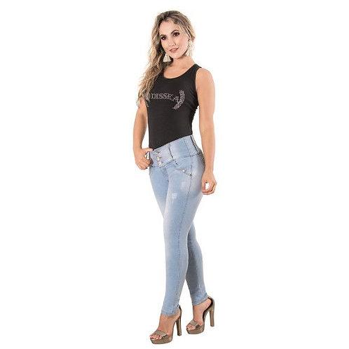 Jeans push up con desgastes en la tela