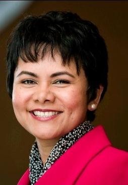 Headshot Sabina Nawaz
