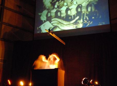 Sand trifft Orchester – Grandioses Herbstkonzert  der Musikkapelle Rohrdorf mit der Sandmalerin Frau