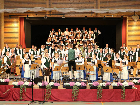 Großes Jubiläumskonzert der Musikkapelle Rohrdorf zusammen mit dem Liederkranz Rohrdorf