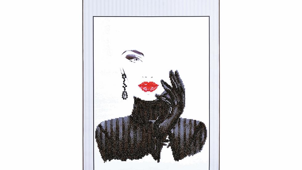 Diamond Dotz Scroll Lady In Black