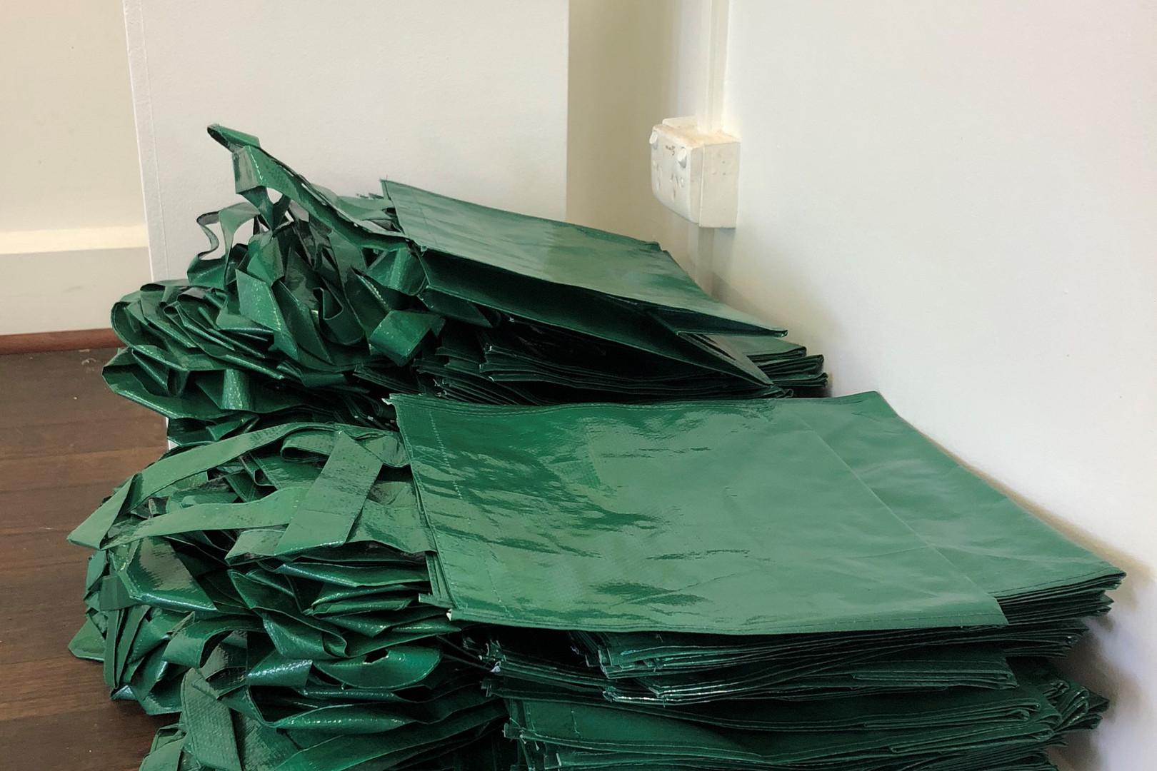 Ten Plastic Bags, Img 16