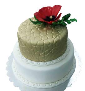 № П22 Тортата е с традиционен  сочен пълнеж от бели и кафеви пандишпанови блатове, карамелено  – сметанов крем и шоколадово – сметанов крем. Тортата е чудесно допълнение към вашия специален празник.Използваните продукти са пресни, внимателно подбрани. Работи се при строго спазване на нормите на РЗИ. Всички торти са със сертификат за качество.  Промяната на цвят и добавяне на надпис не се заплаща. Порции:18 Цена:3,30 лв.