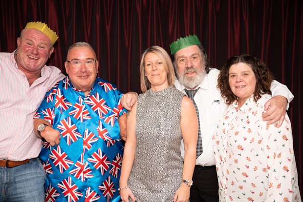 aitch-and-aitch-bee-a-right-royle-christmas-with-ricky-tomlinson140.jpg