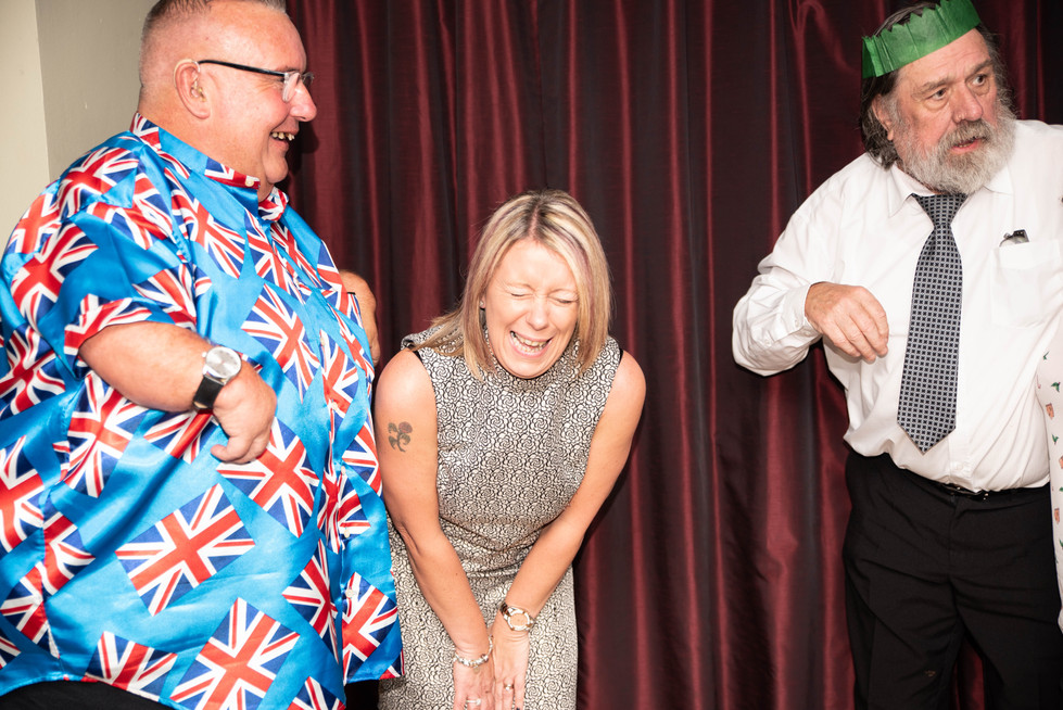 aitch-and-aitch-bee-a-right-royle-christmas-with-ricky-tomlinson135.jpg