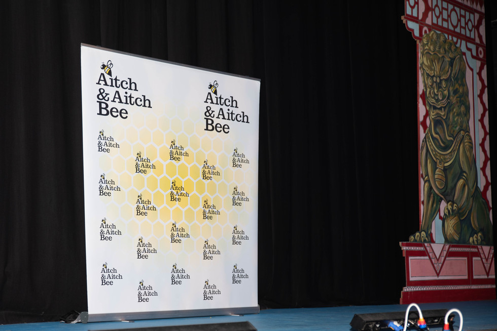 aitch-and-aitch-bee-nigel-owens-3-12-196.jpg