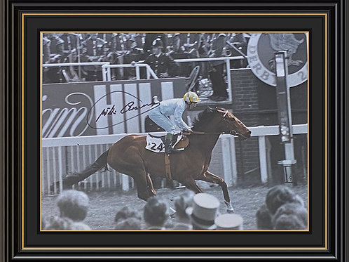 Willie Carson  Signed and Framed Print