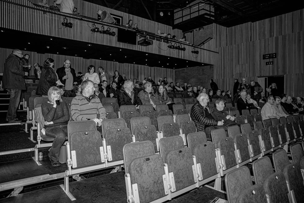 aitch-and-aitch-bee-nigel-owens-mbe-10-12-1956.jpg