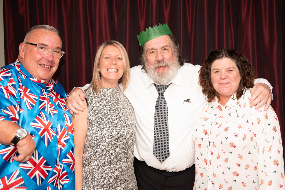 aitch-and-aitch-bee-a-right-royle-christmas-with-ricky-tomlinson138.jpg