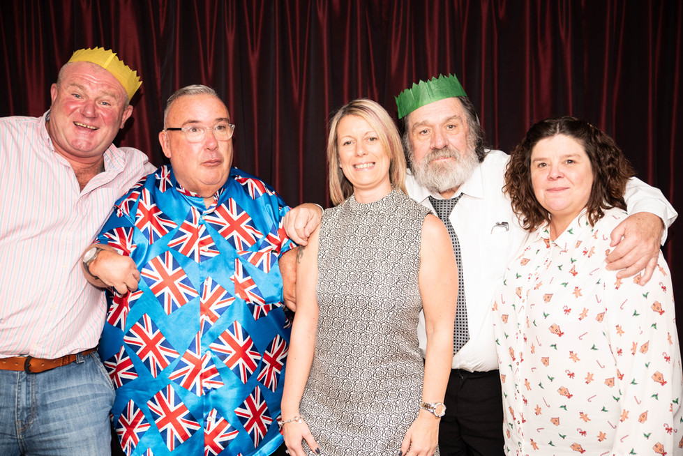 aitch-and-aitch-bee-a-right-royle-christmas-with-ricky-tomlinson139.jpg