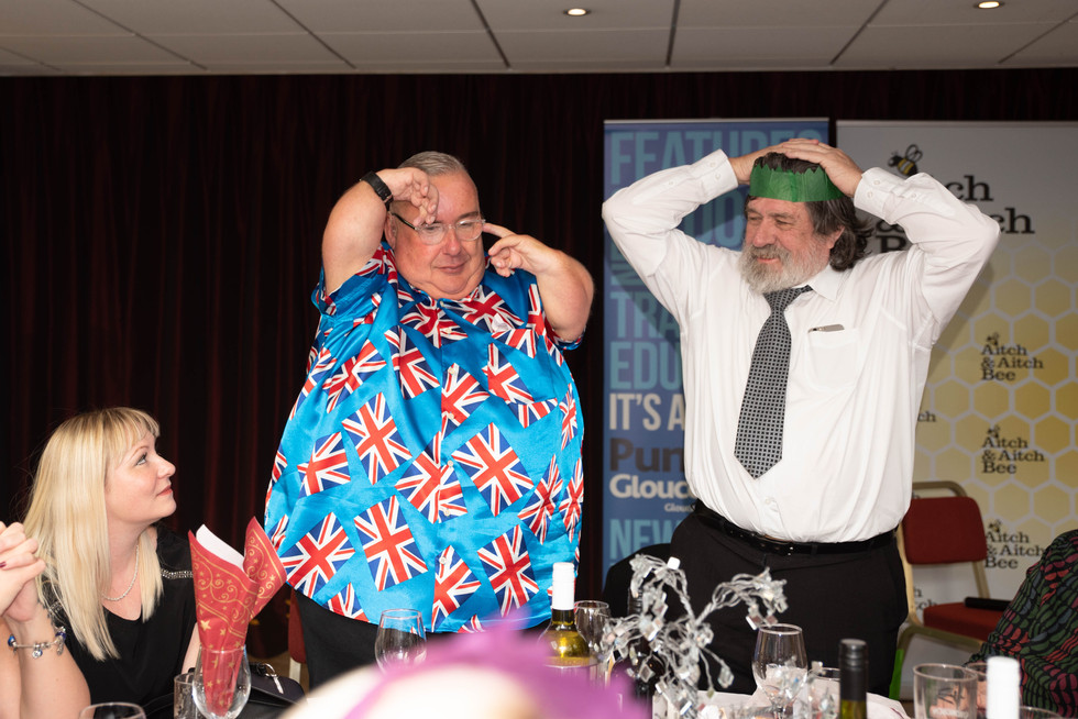 aitch-and-aitch-bee-a-right-royle-christmas-with-ricky-tomlinson106.jpg