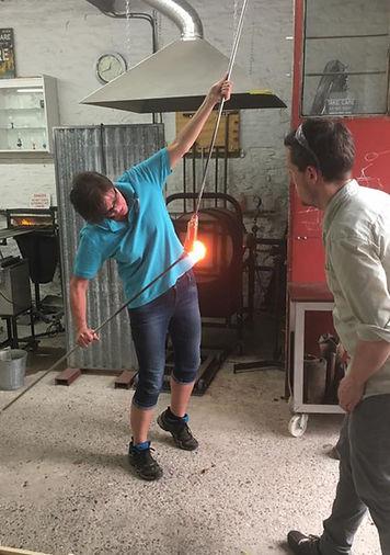 RobertaMason_Hotglass_making canes_teamw