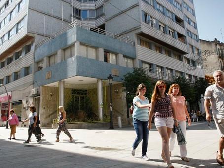 El histórico Liceo-Casino de Vilagarcía se salva con el logro de la aprobación de su convenio.