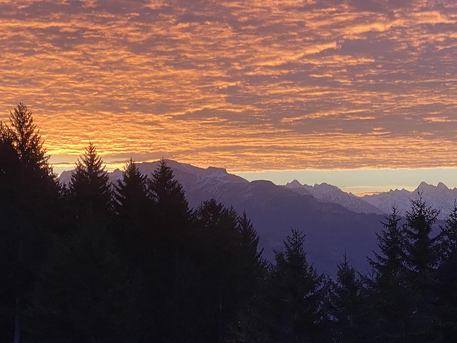 Pligugg Sonnenaufgang Okt 2020-2.HEIC