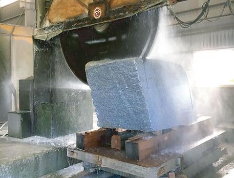 石徳 工場 切削
