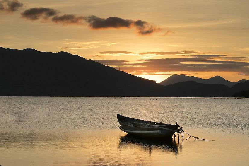 PrintPhotos Boat on Lake 01