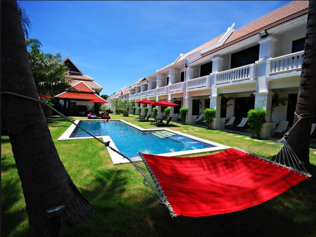 Pattaya Palm Grove Resort Pool