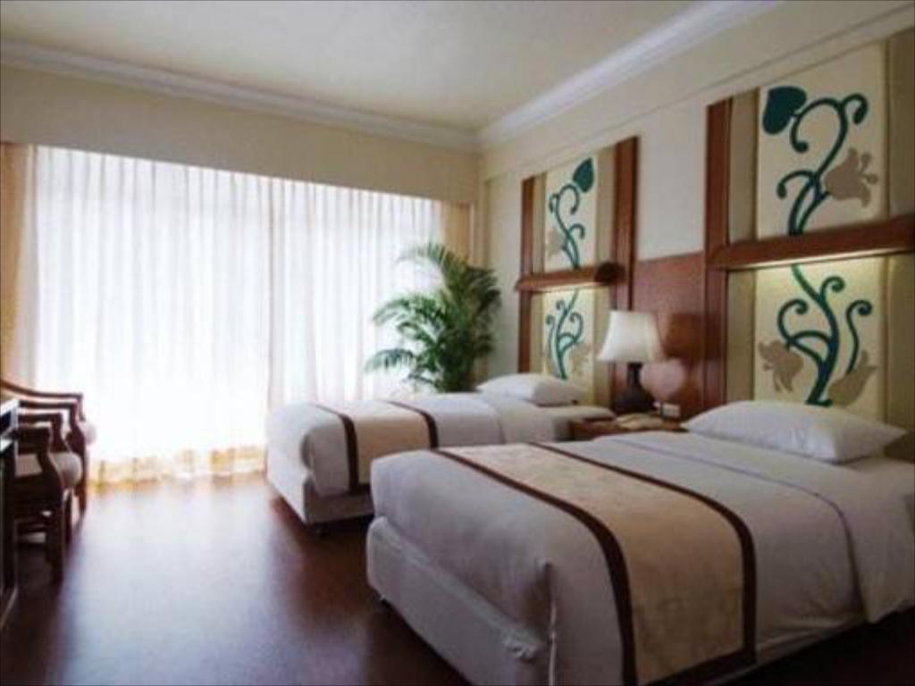 Golden Beach Hotel Pattaya Deluxe Room
