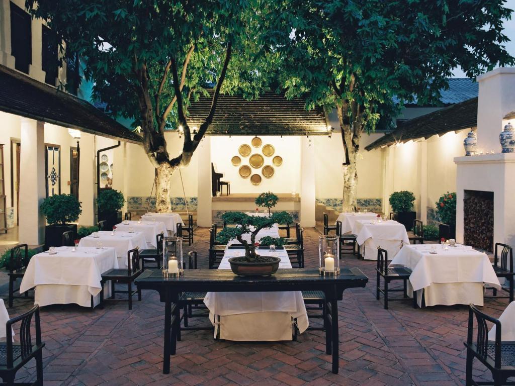CNX Rachamankha Outdoor restaurant