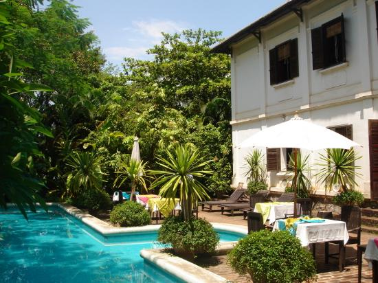 LPQ satri-house-and-pool