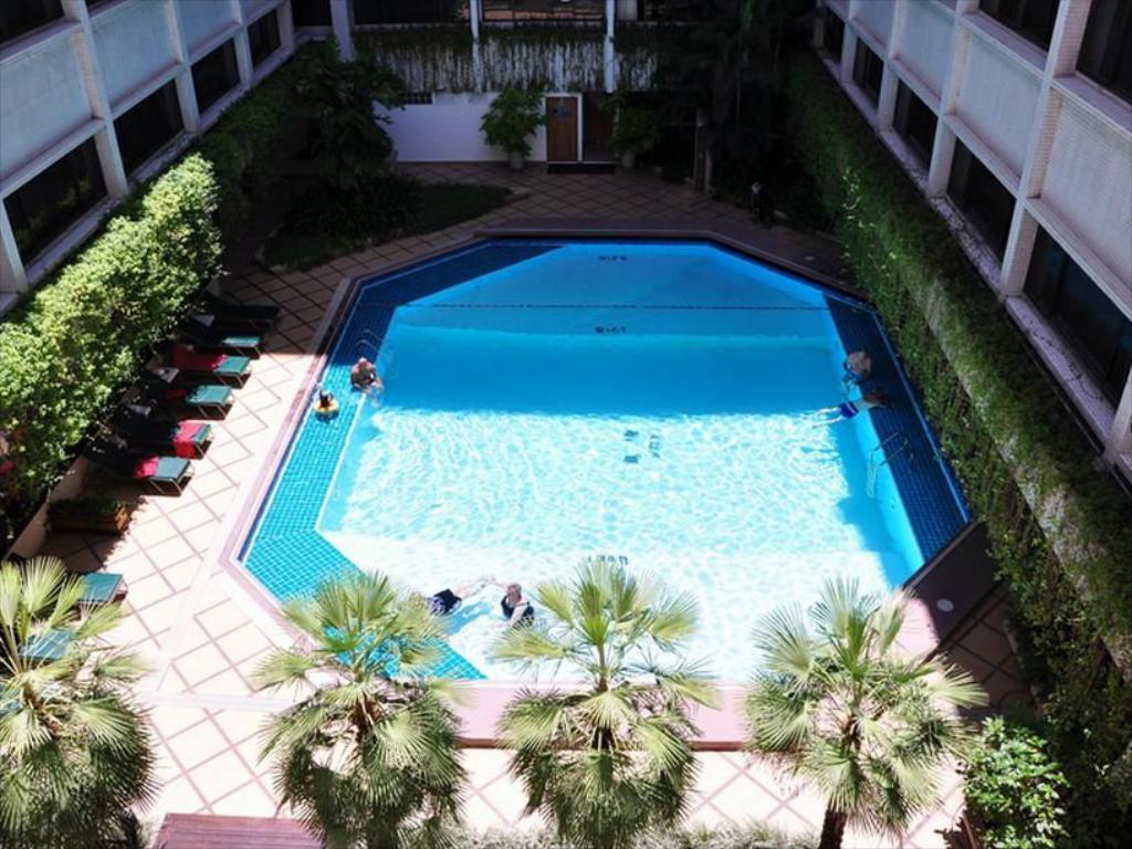 BKK Asia Hotel Pool