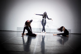 Dancing from Others International Dance week 2018 photo vojtěch brtnický