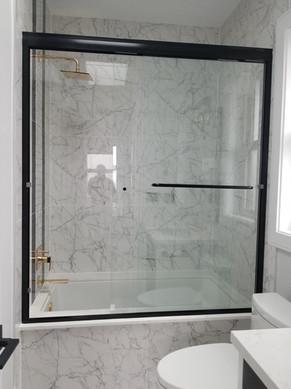 6mm glass black tub door