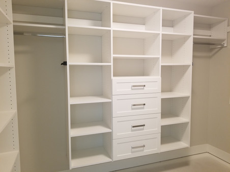 Long hinger with shelf & drawers
