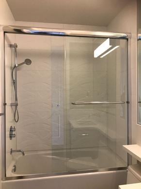 Tub door 6mm glass slider