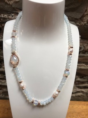 Fashion crystal necklace.Opal colour.