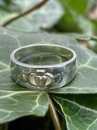 Sterling silver handmade Claddagh ring,with 14k gold.