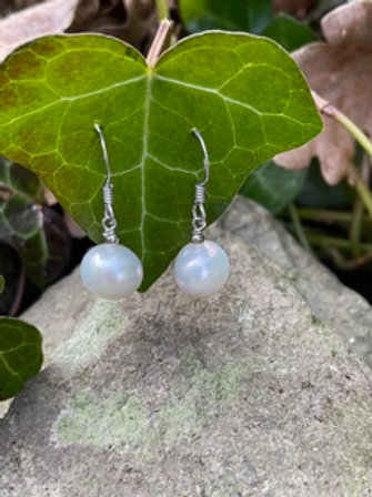 Sterling silverdrop earrings,with cultured pearls.
